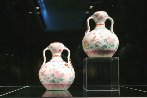 Qianlong Famille Rose Butterfly Vases Fetched 13m At Christies